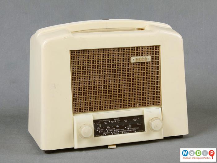 Ekco U122 radio