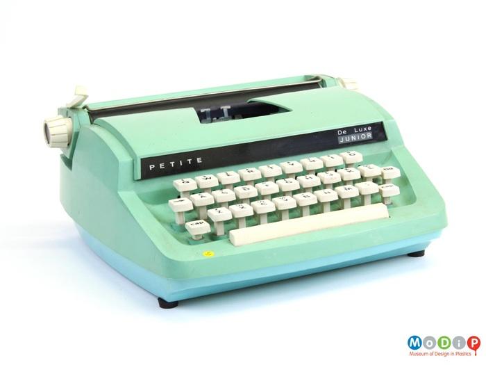 De Luxe Junior Typewriter